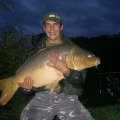 CARPE MIROIR   19kg500  1 METRE 02